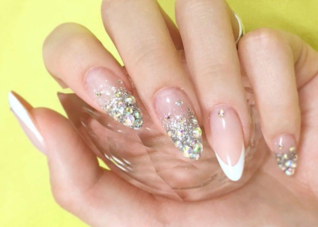 ラメネイルをきれいに塗る方法:爪を傷つけずにきれいに落とす方法とは?