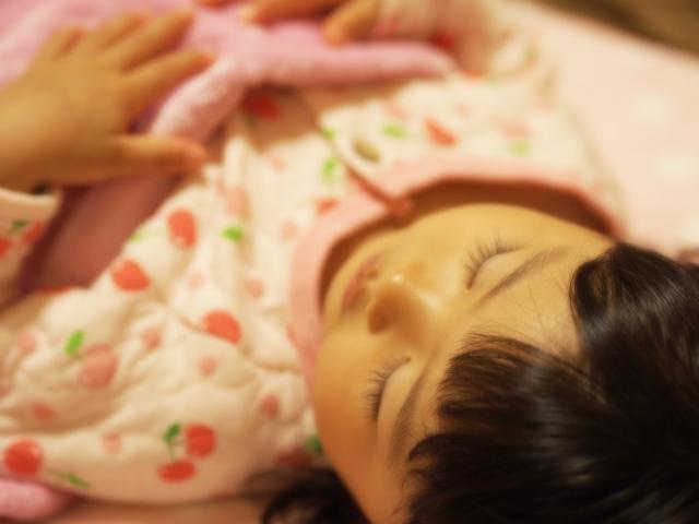 そもそもどうして子供の寝相はそんなに悪くなってしまうのか、また寝相が悪い子供にはどんな対策をとればいいのか調べてみました。