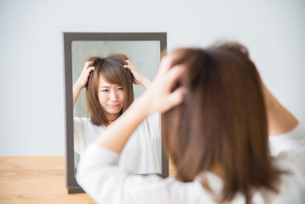 髪のトラブルで悩む40代の女性必見!!髪のトラブル予防はこれ!